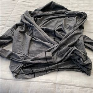Lululemon gray long sleeve top